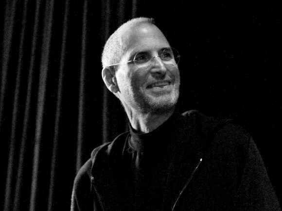Steve-Jobs-laughing